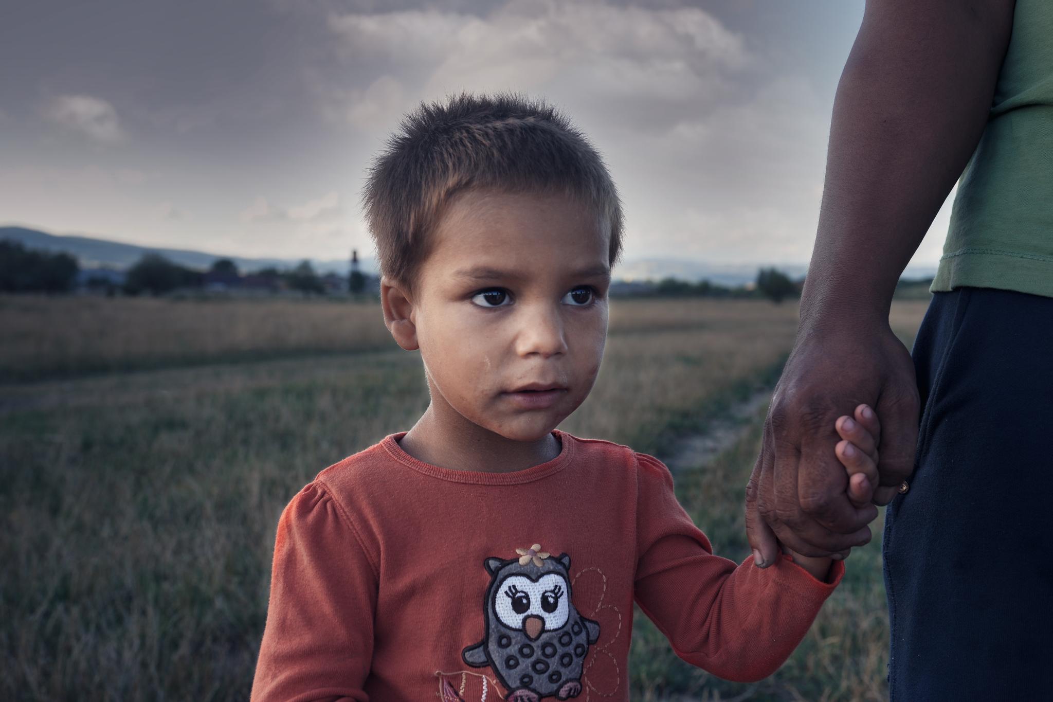 Apelul echipei de voluntari pentru ajutorarea unei familii cu opt copii din Orăştie